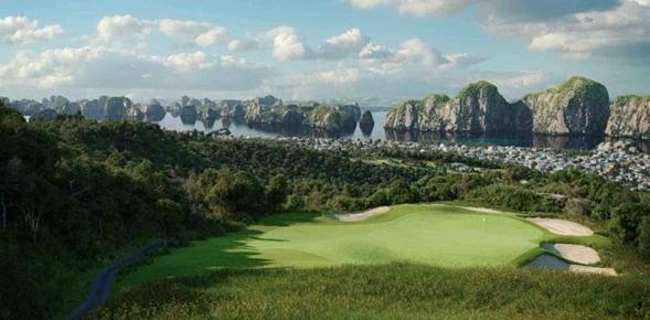Un premier terrain de golf va être construit à la baie d'Halong